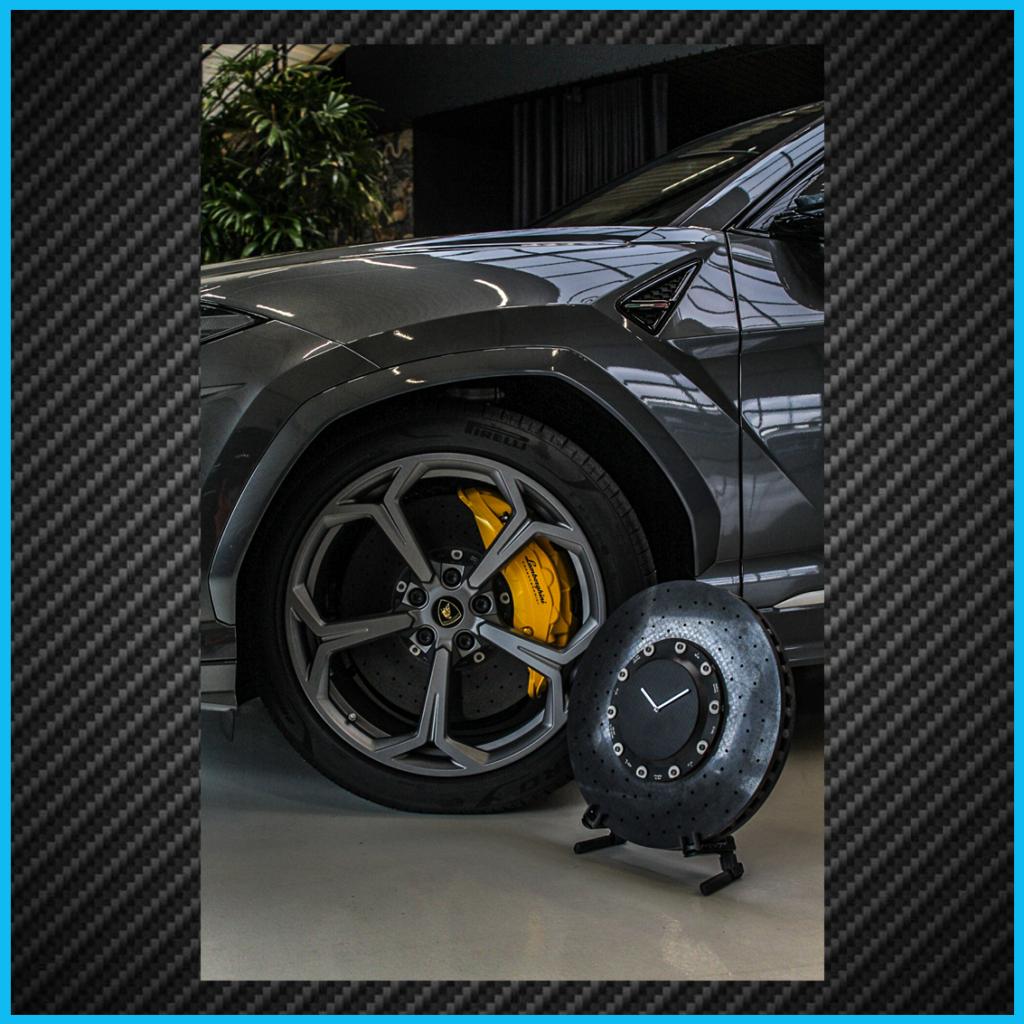 Lamborghini Urus clock 7